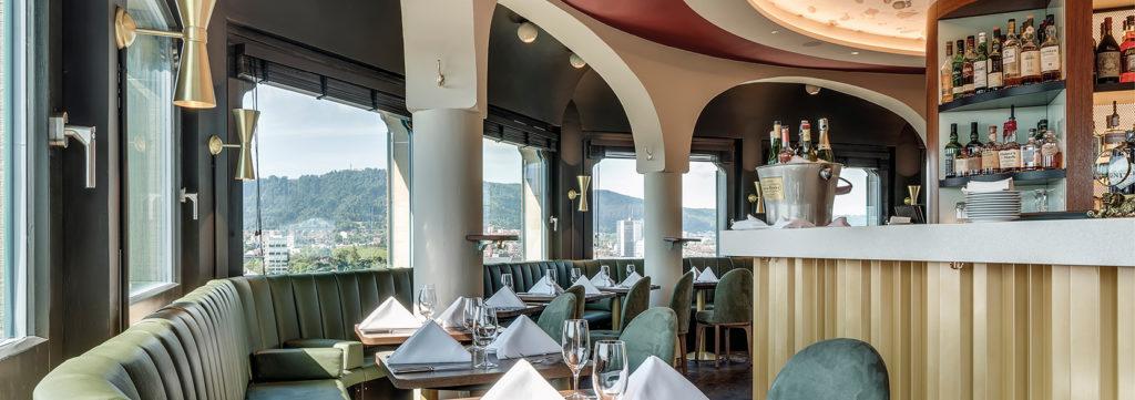Die Panoramabar Und Cocktailbar Jules Vernes In Zurich